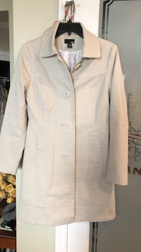 white button-up long-sleeved shirt Surrey, V4N 4Y2