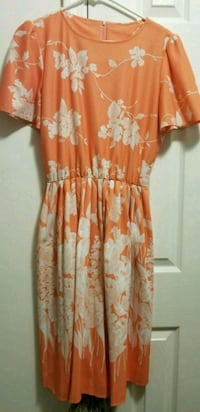 Coral and white floral dress, size S/M Heber City, 84032