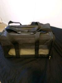 Small pet carrier ..used on airplane pd 80 still l Bristolville, 44402