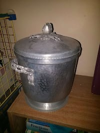 stainless steel container with lid Pickering, L1W 1J3