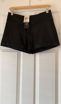 Guess black dress shorts. Size 25. New with tags attached.  Ajax, L1T 0K1
