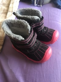 Toddler's black and red winter boots size5c Pecos, 87552