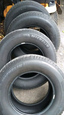 Michelin tires LT-265-70-r17 in good condition 4 total make offer