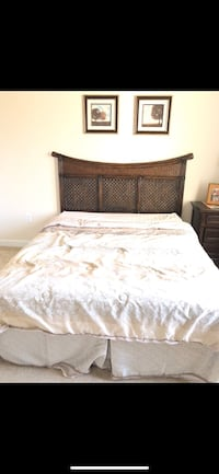 brown wooden bed with white bed sheet Chantilly, 20152