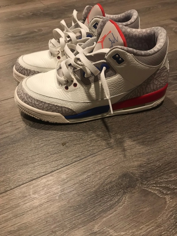 Used pair of white-and-gray Air Jordan shoes for sale in New York - letgo ffc6a3383