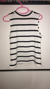 black and white striped scoop-neck sleeveless top Montréal, H4M