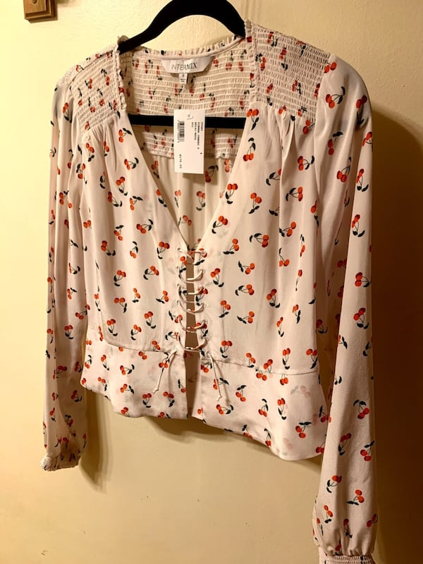 Intermix Blouse size 8 0