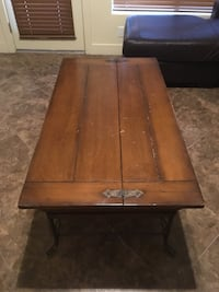 Wooden Coffee Table  Tempe, 85281