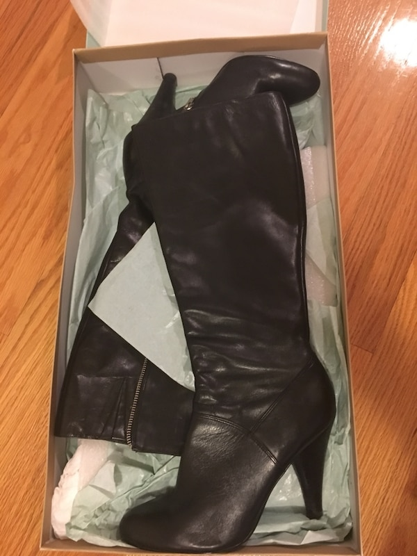 ae537336c16 Used Black leather side zip boots in box for sale in Beverly - letgo