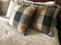 """Set of two (Navy and Tan) 16"""" sq pillows Cape Coral, 33914"""