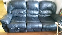 Black leather sofa & matching love seat Vaughan, L4J 9A4