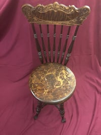 Antique orgain chair early 1900s Cleveland, 44103