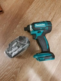 Brand new makita impact and 5Ah battery 3752 km