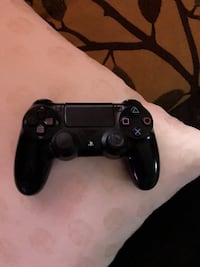 black Sony PS4 Dualshock 4 Washington, 20019