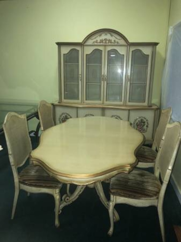 Used Beige Gold China Cabinet And Hutch With Dining Table 4 Chairs For Sale In Vancouver
