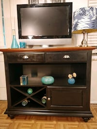 Like new solid wood buffet with 2 drawers in  Annandale, 22003