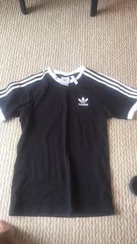 T-shirt adidas  Paris, 75009