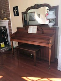 Piano Woodsboro, 21798