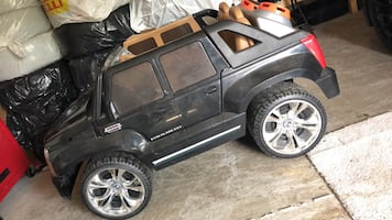 Escalade powered kids car