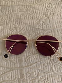 Silver-colored framed aviator sunglasses Los Angeles, 90029