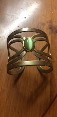 Silver bangle bracelet with green center stone Tuscaloosa, 35401