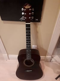 dreadnought brown acoustic guitar Vancouver, V6P 1H4