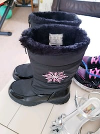 Girls Shoes (excellent condition)