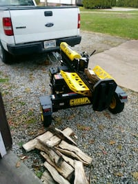 30.00 dollors an hour i will come split ur wood Akron, 44312