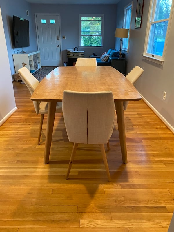 Mid Century Modern Dining Table & Chairs 0
