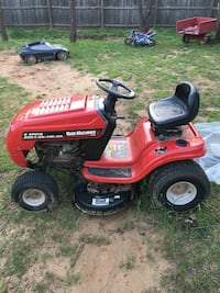 Yard machine tracker ! Negotiable Forest Hill, 76119