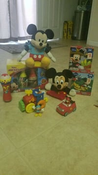 MICKEY MOUSE LOT!! 122 mi