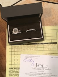 White gold diamond engagement ring and wedding band bought from Jared have receipt she changed her mind  Edison, 08820