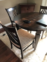 Dining Table Set/Area Rug/Wine Cabinet Pickering, L1V 1T3