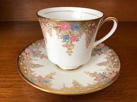 EUC Vintage Coalport Gold with Dainty Flowers Tea Cup and Saucer