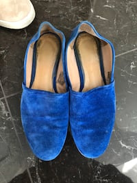 pair of blue slip-on shoes Richmond, V7C