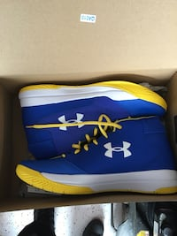 blue-and-yellow Under Armour basketball shoes