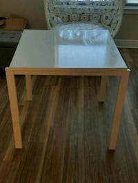 White Ikea kitchen table Lanham, 20706