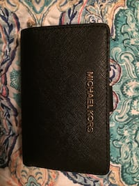 black Michael Kors leather long wallet null