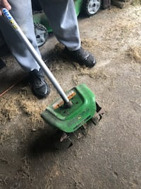 John deer rotor tiller attachment    42 km