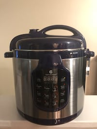 Cooks Essentials , pressure cooker (BRAND NEW AND NEVER USED) New York, 11364
