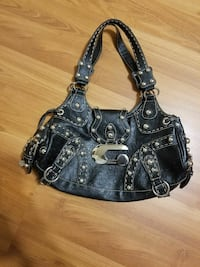 Guess purse  Sarnia, N7T 2S1