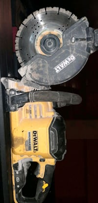 Dewalt concrete/  cut off saw.  Model DCS690