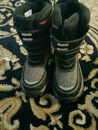 black-and-gray double-strap mid-calf snow boots Toronto, M1R 1B6