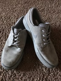 Boys shoes size 6y Palmdale, 93550