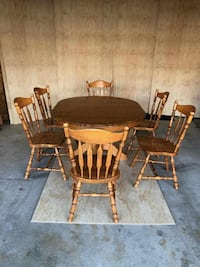 DINING TABLE WITH SIX CHAIRS, SOLID WOOD, EXCELLENT CONDITION, FREE DELIVERY IF IN MISSISSAUGA!!  MISSISSAUGA