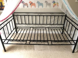 Day Bed Twin bed frame.