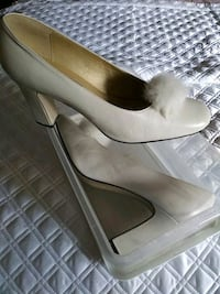 11M Off White Leather Heel  Canton
