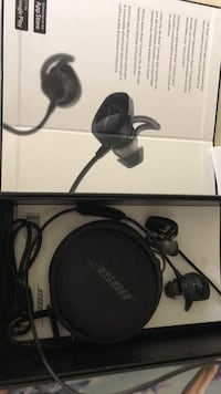Bose wireless headphones  Surrey, V3S