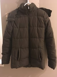 Quilted black zip-up jacket. Size S/P