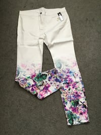 BIANCA NYGARD FLORAL MISSY JEANS SIZE 14